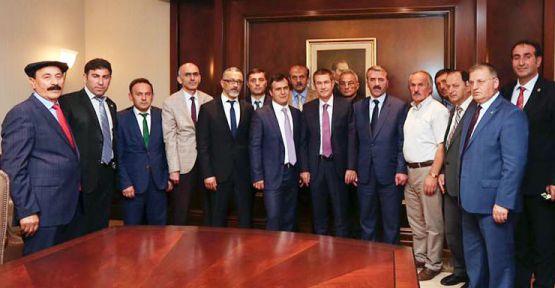 Ziraat Odalarından Ankara çıkartması  Giresun ve ilçe Ziraat Odası Başkanları Başbakan Yardımcısı Nurettin Canikli'yi ziyaret etti. Ziraat Odaları, Canikli'den fındıkta yaşanan tekelleşme ve fiyat istikrarsızlığının önlenmesini, rekabet kurulunun harekete geçirilmesini istediler.